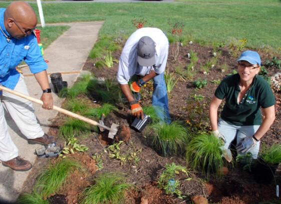Colesville UMC dedicates their new Rain Garden